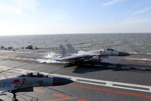 大陆歼15舰载机接连坠毁 山寨俄战机留隐患