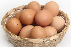 想告別白髮嗎?雞蛋和它一起煮,黑髪全回來!
