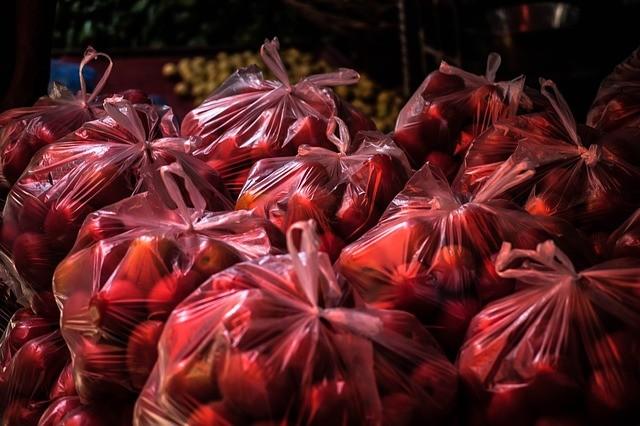 千萬別把裝菜的塑料袋放進冰箱,後果真的可怕,現在改還來得及