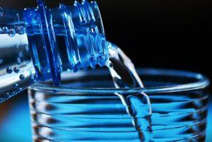 睡前喝水到底对不对?这样喝就对了!