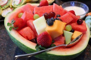 西瓜还有很多不为人知的养生功效!可是为什么不能用勺子挖著吃呢?