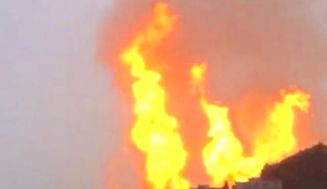 贵州天然气爆炸 8死35伤 现场火光冲天(视频)