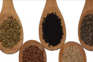 真想不到啊!每天吃它兩勺,竟能補鈣、黑髪、防貧血!