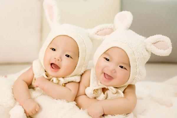 长见识了!双胞胎到底谁才是老大?
