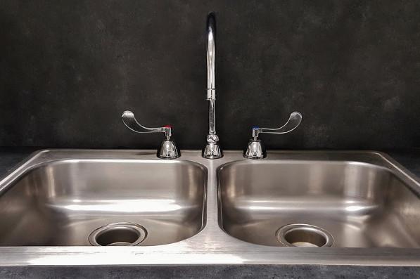 不锈钢水槽这样清洗和保养,超简单实用!