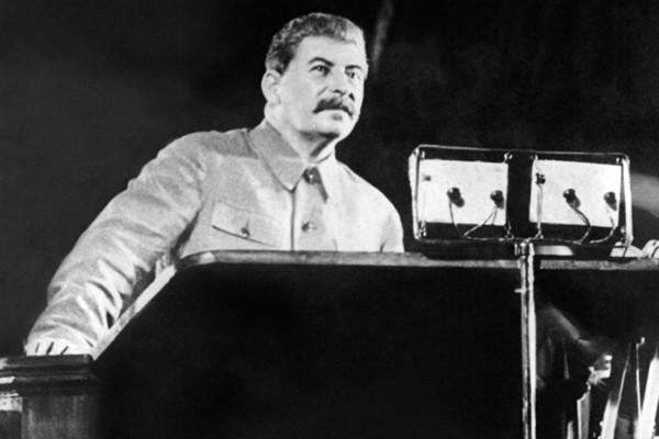 揭秘:蘇共罪行引發二戰 斯大林賊喊捉賊