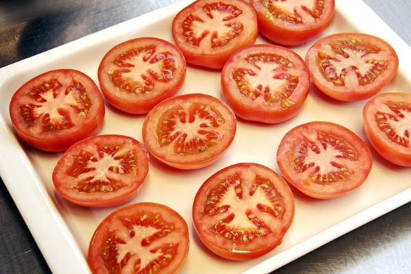 原来西红柿生吃不抗癌!现在才知道