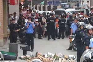 河南政协常委被抓时 派30保镖10辆车抵抗