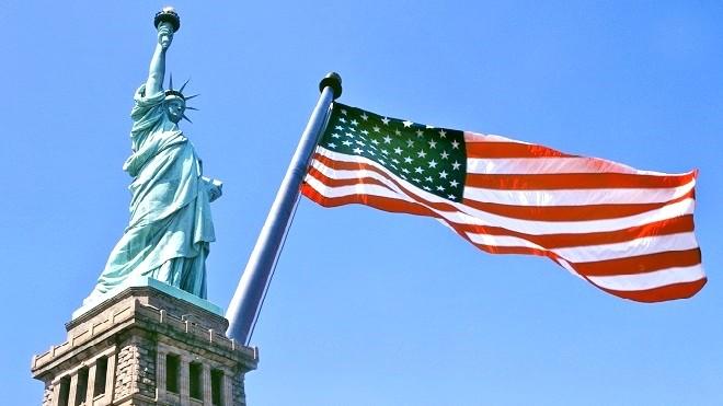 胡润:多项变化刺激中国富人移民 美国仍是首选