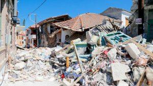 6.7級強震襲土耳其外海 民半夜驚逃 2死逾百傷