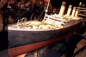 铁达尼号唯一存活副船长,隐忍半生,终于公开不为人知的沉船故事