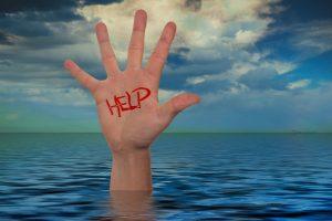 当手脚被绑住丢进水里怎么办?美国海豹部队教你如何逃出生天!(视频)