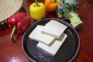 豆腐搭鸡蛋,味道似海鲜,九十岁厨师教的,不学亏大了