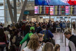 毒气弹炸案告破 澳洲人心有余悸 机场安检升级