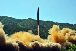 朝鲜洲际飞弹重返大气层 专家:崩碎未成功