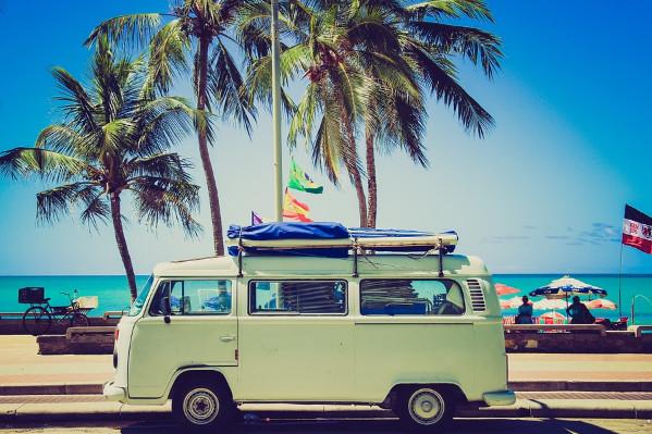 夏天不要一上车就这样做,可能会缺氧、中暑!