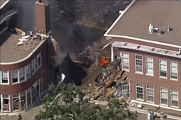 美明州學校氣爆引大火 建築物頓成廢墟2死9人傷