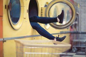 错误的洗衣方式赶快改掉,常常会洗坏衣服!