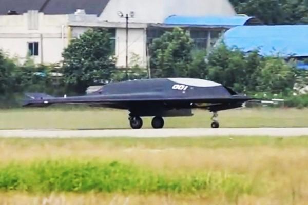 中印戰機空中驚險較量 印度戰機被趕跑?