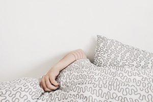 睡觉又打呼吗?止鼾小技巧要知道