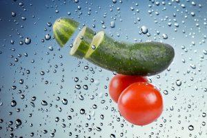 黄瓜除了被拍被凉拌被吃掉外,还有这么多好处啊,夏天不吃很可惜!
