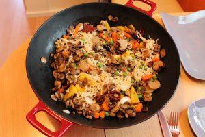 把普通铁锅变成不粘锅的方法超简单!你也试过吗?