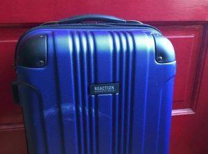 美联航躺枪?乘客拍摄机场行李托运视频引发众怒