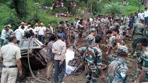 喜马拉雅山区豪雨 逾50乘客遭活埋 民宅被毁至少74死