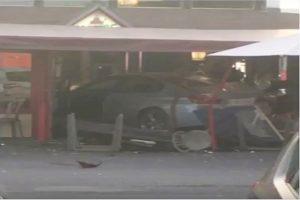 巴黎披萨店遭汽车冲撞 13岁少女当场身亡
