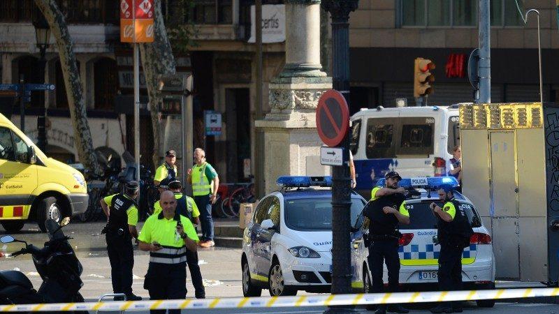 西班牙廂型車蓄意衝撞行人 至少13死25傷(視頻)