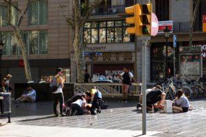 巴塞罗那闹街恐袭13死百人伤 至少有18国受害者
