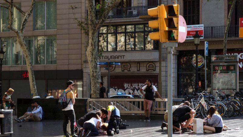 巴塞羅那鬧街恐襲13死百人傷 至少有18國受害者