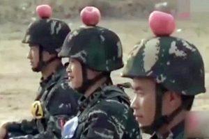 漠視生命 共軍練靶士兵頭頂蘋果練射擊(視頻)