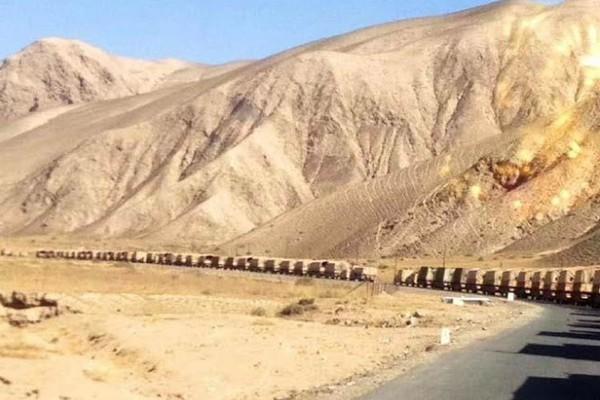 要開打了?中共大批裝甲車導彈車開赴中印邊境(組圖)