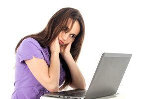 """""""职业电脑病""""的症状有哪些 可尽量使用桌上型电脑"""