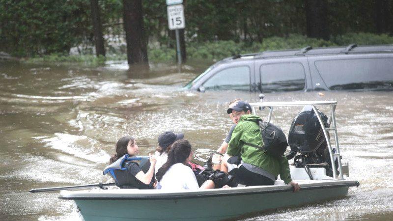 休斯敦緊急疏散 身陷洪災如何脫困?