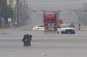 13年来最强飓风冲击德州  持续降水危害超过强风