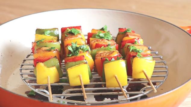 【美食天堂】超赞鸡肉蔬菜串 劳动节快乐