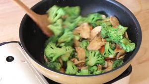 【美食天堂】美式著名芥藍雞的家庭做法
