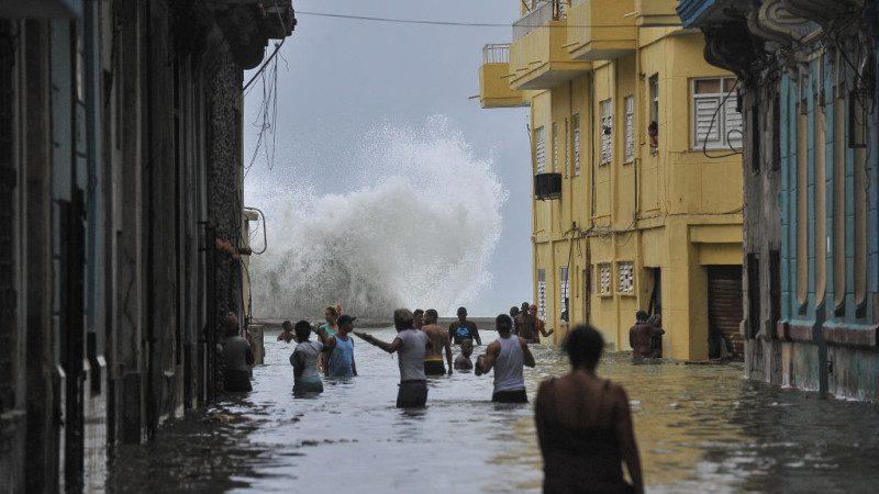 艾瑪掀巨浪倒灌古巴 民眾:沒準備好迎接大災難(視頻)