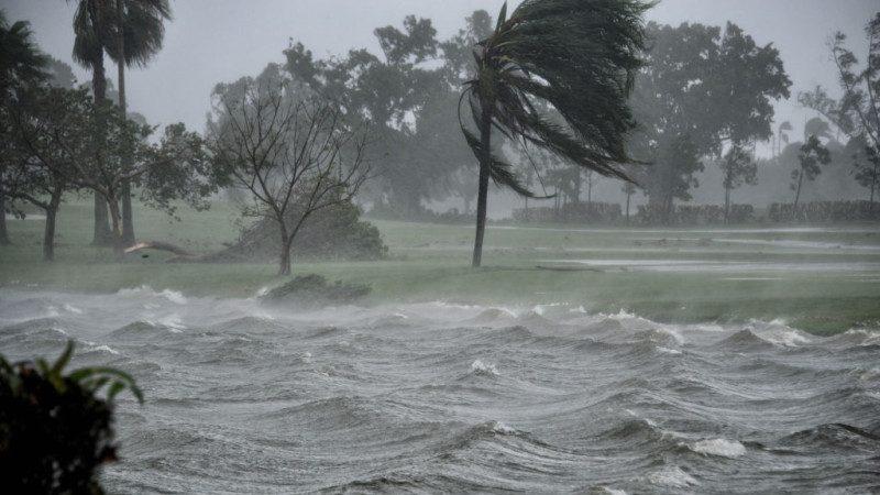 佛州遇歷史性洪災 600萬用戶斷電 重建需數週