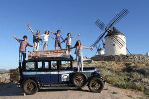 阿根廷夫妇周游5大洲17年 旅途生4个小孩 见闻编成书赚旅费