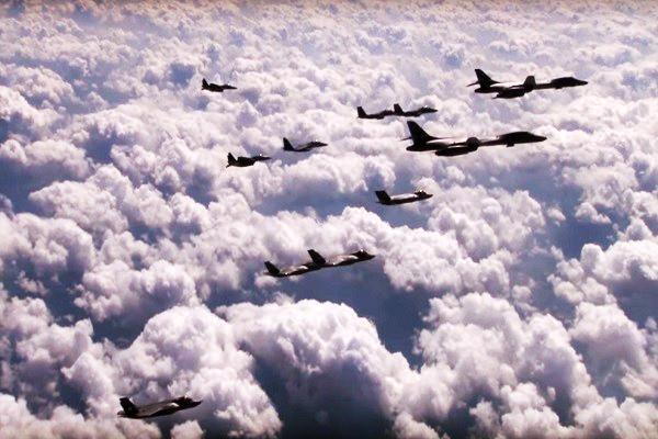 警告朝鮮 美韓戰機實彈轟炸演習(視頻)