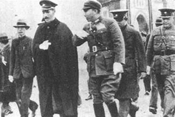 歷史揭秘:蔣介石正忙於抗日 67名衛士卻全部被殺