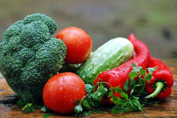 地瓜叶不用喷药 营养师这样清洗蔬果