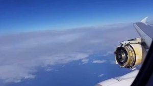 空中驚魂!搭載520人法航班機 引擎空中解體迫降(視頻)