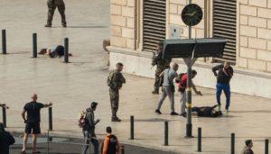 法国马赛2女子遇刺身亡 嫌犯当场被撃毙 IS称犯案