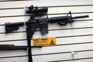 香港射手聯會會長: 賭城槍擊案兇嫌使用的是AR15步槍