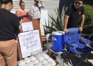 拉斯維加斯千人排隊為傷者獻血 川菜館免費贈送炒麵