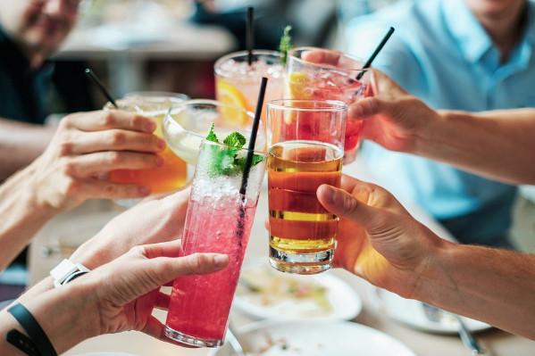喝它竟會讓關節炎風險提高6倍 你還在喝嗎